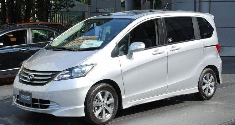 Аренда автомобиля Honda Freed в Крыму