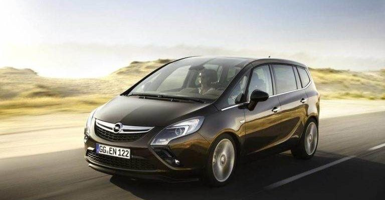 Аренда авто Opel Zafira Tourer в Крыму прокат Опель Зафира Тоурер